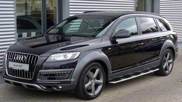 Audi Q7 black